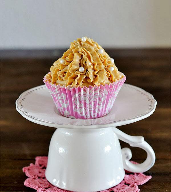 cupcakes de chocolate con crema de mascarpone y dulce de leche